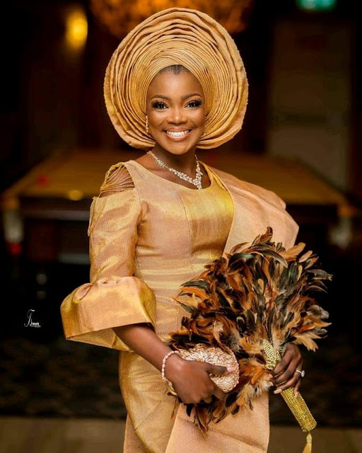 LATEST AFRICAN FASHION.STUNNINGLY,SPARKLING HIGH CLASS ASO EBI ANKARA STYLES FOR AFRICAN QUEEN